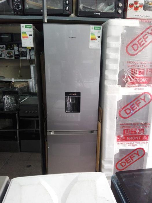 Geleira hisense 359 litros com dispensador de água novas com garantia