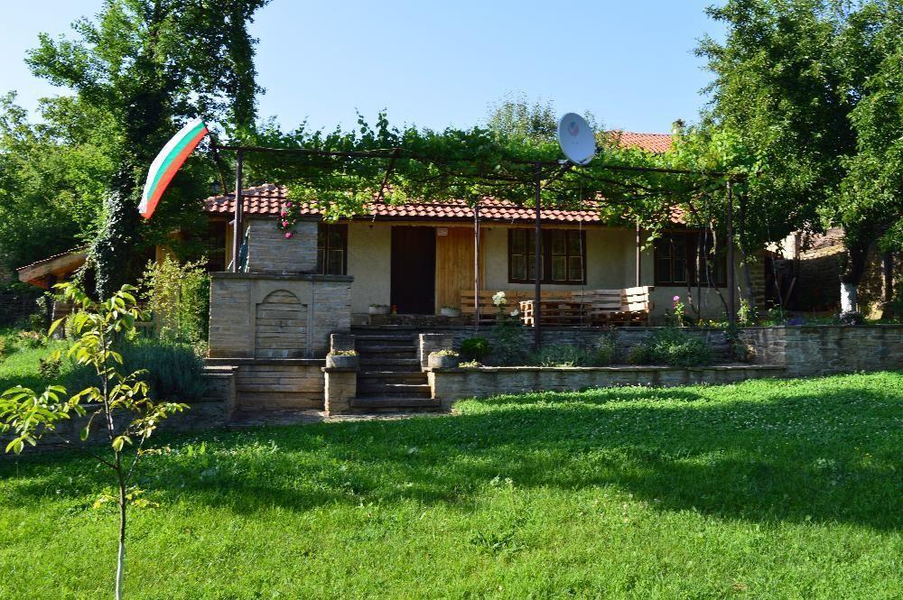 """Почивка сред природата """"Крумовата къща""""с.Катунище-Котленския Балкан"""