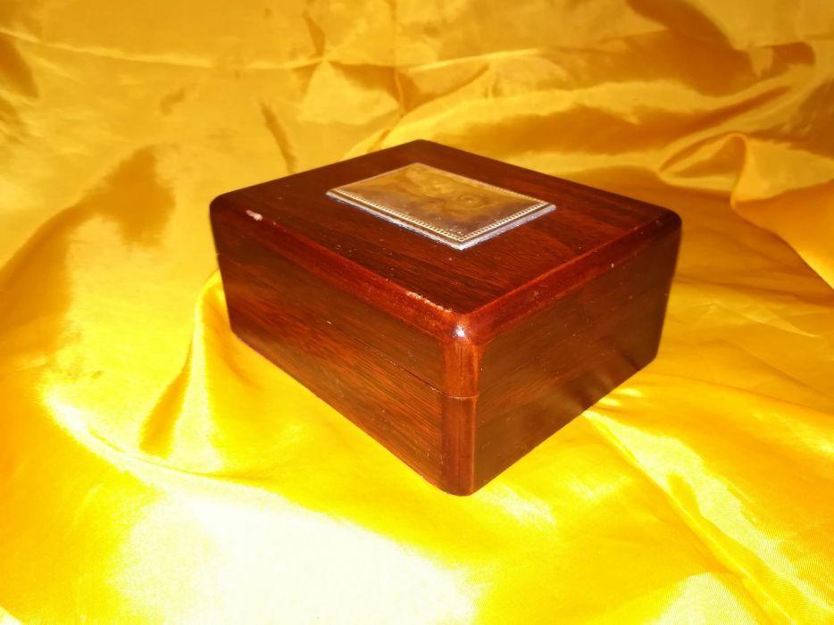Vand cutie de bijuterii din lemn cu capac din lemn si argint