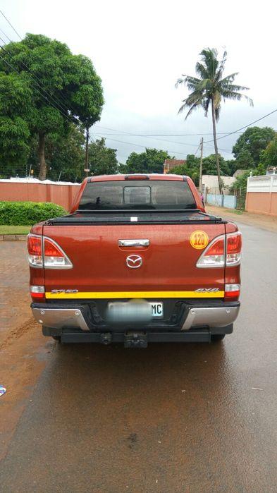 Mazda BT50 3.2 diesel 4x4 impecável Cidade de Matola - imagem 5