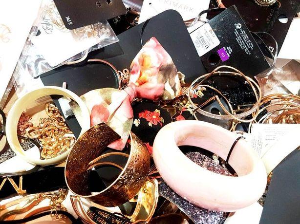 frumosi pantofi captură dantela înăuntru Set bijuterii OUTLET ,firme mari, en gros, Baixa, C&A, Meli Melo,etc  Bucuresti Sectorul 1 • OLX.ro
