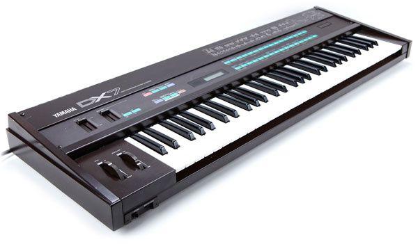 Piano professional YAMAHA DX7