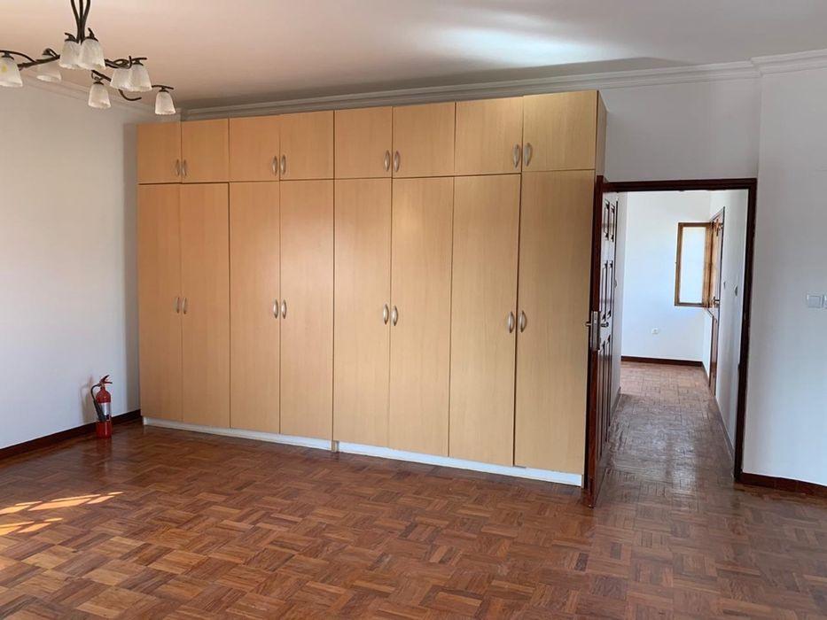 Na Sommerchield II, Moradia T4 (2 suites), 2 WCs, Piscina, Jardim, C Sommerschield - imagem 6