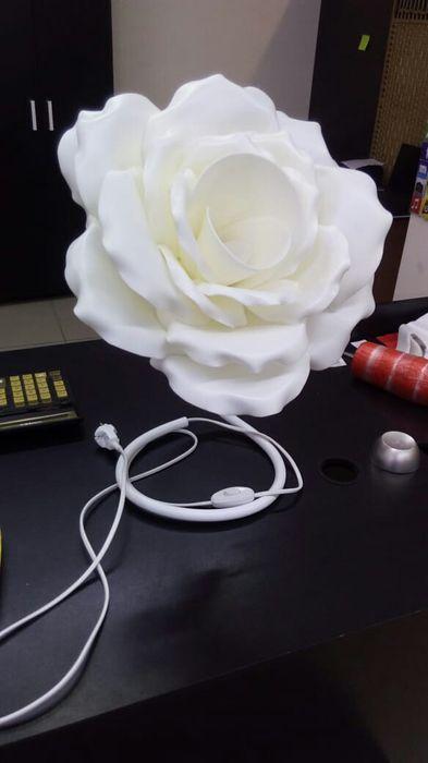 Светильники ростовые розы