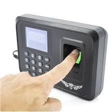 Montagem de relógios biometricos