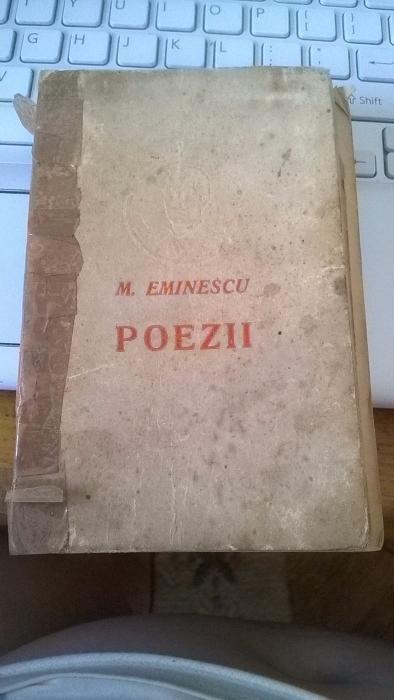 Carti vechi Eminescu, Arghezi, Sadoveanu