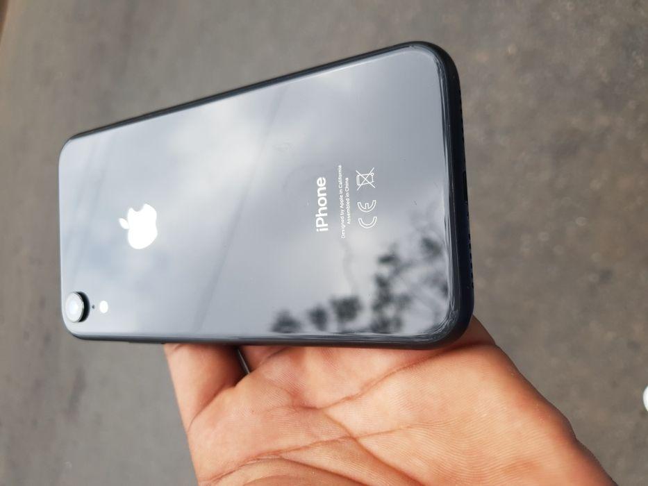 IPhone Xr 64gb clean