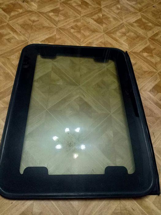 Продам стекло люка на Honda CR-V 2000г