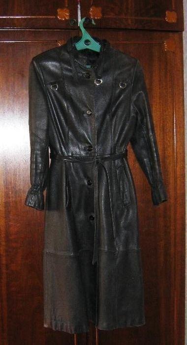 Плащ-пальто кожа 44 размер женский