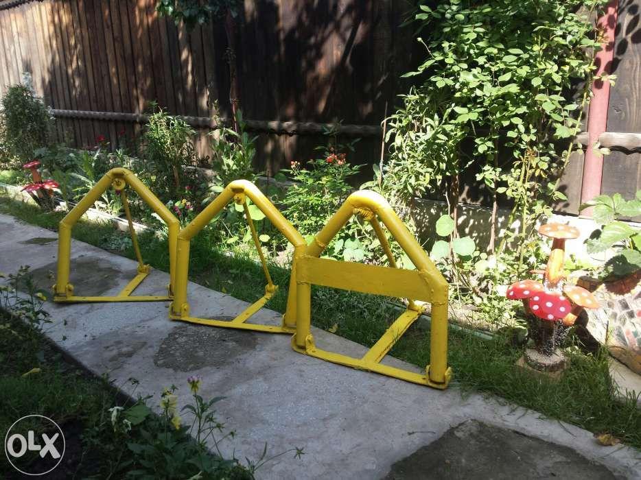 Suport blocare parcare (triunghi blocator).Asigur montaj.