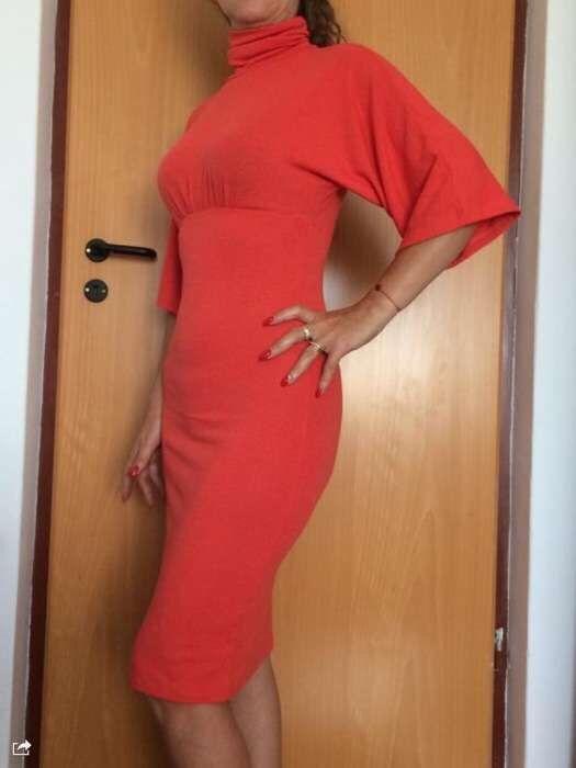 Rochita rosie marimea M tricot