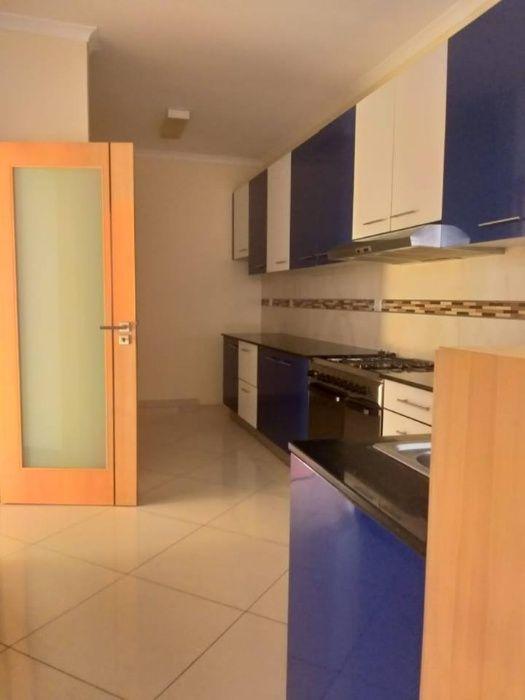 Temos para arrendar Moradia T4 no Condomínio Triunfo Sommerschield - imagem 7