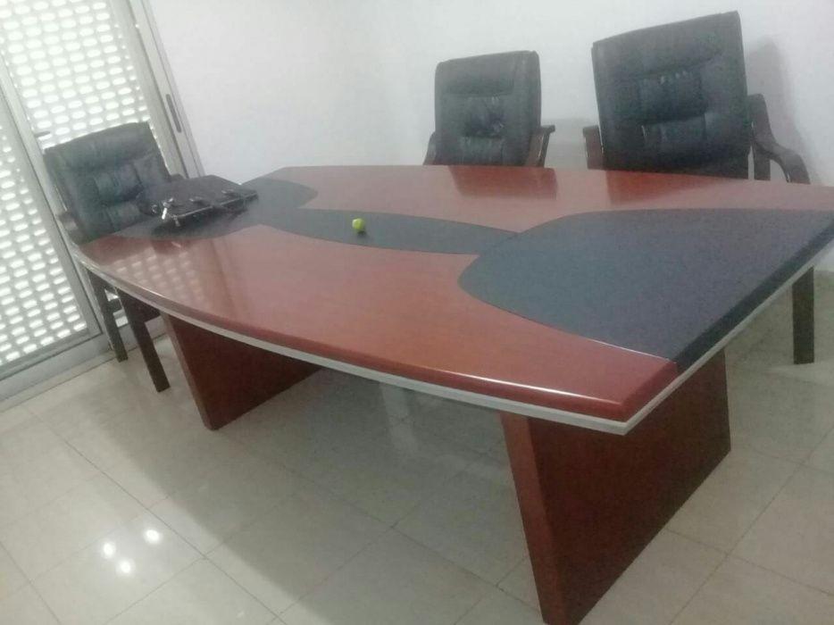 Mesa de reunião executiva para 6. a 8 lugar.produto novo na caixa.