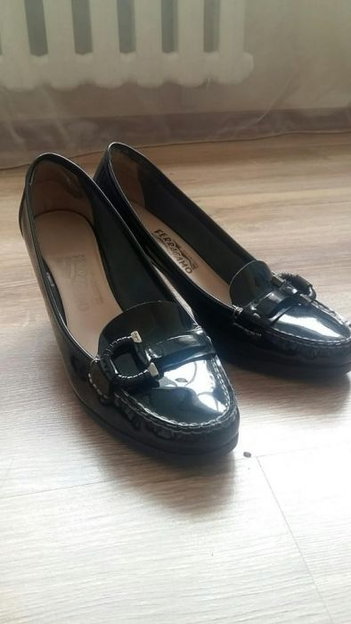 Итальянские лакированные туфли