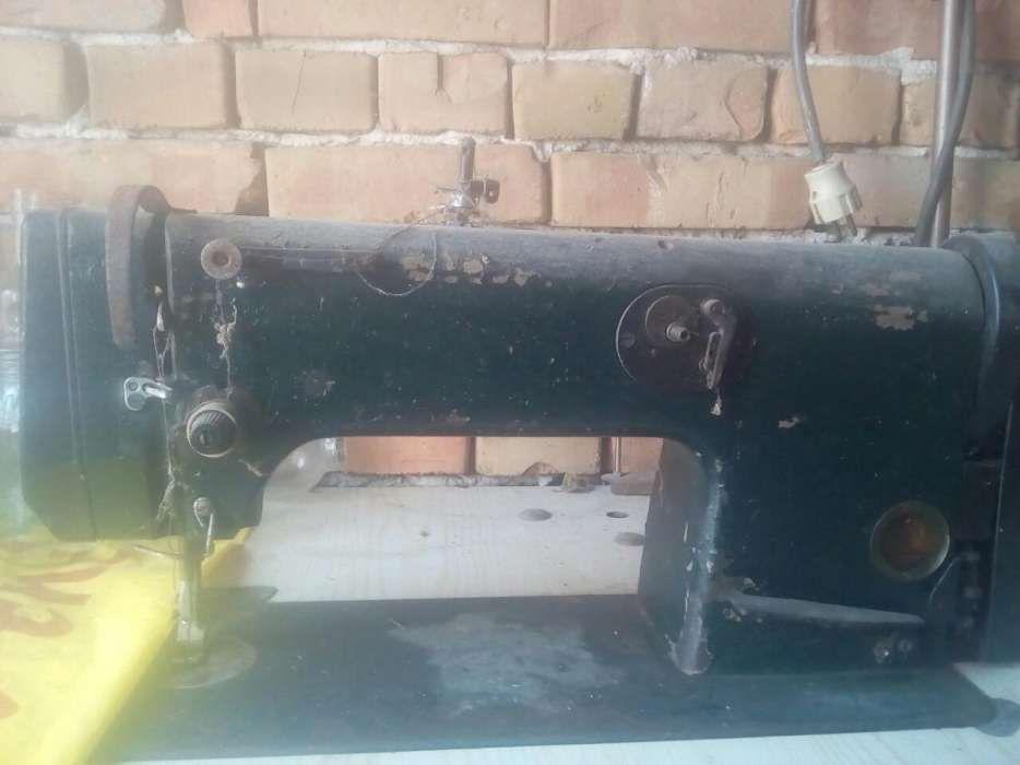 Masina de cusut Metalotehnica