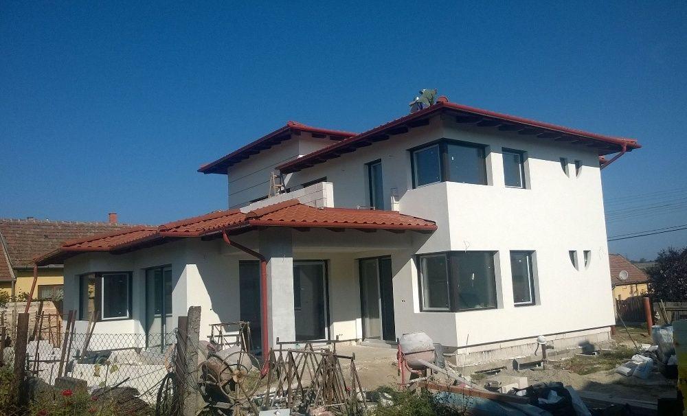 Firma de constructii executa: Case la cheie-Case la rosu-Mansardari