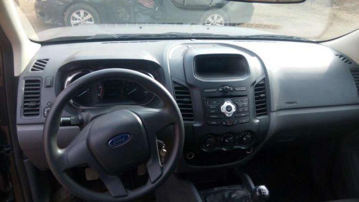 Vendo a minha Ford Ranger caixa manual.