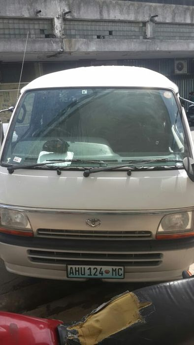 Mini bus hiace GL 3L diesel recem importado, automatico