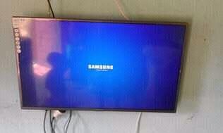 Tv 42 poligadas novo na caixa