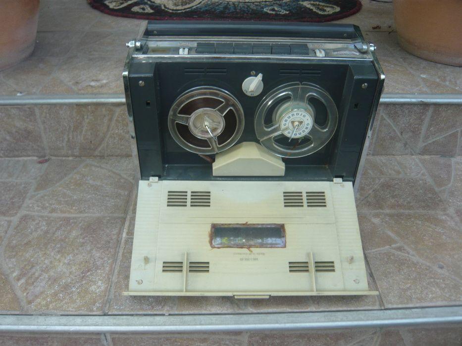 Magnetofon portabil de colectie Grundig TK 6 L, Germania an 1965