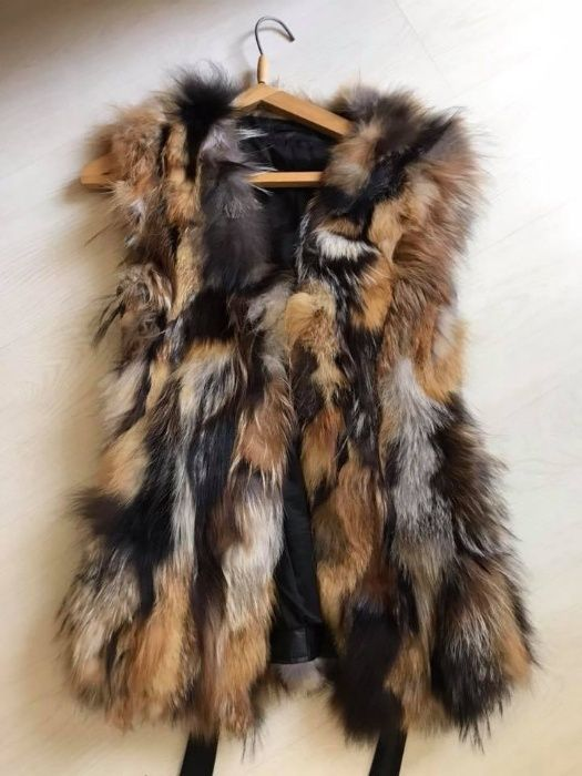 Елек от естествена лисица и кожа