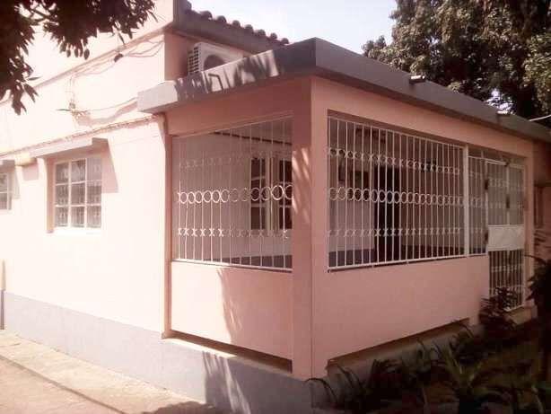 Arrenda se uma vivenda t4 uma suite na cidade da Matola Godinho