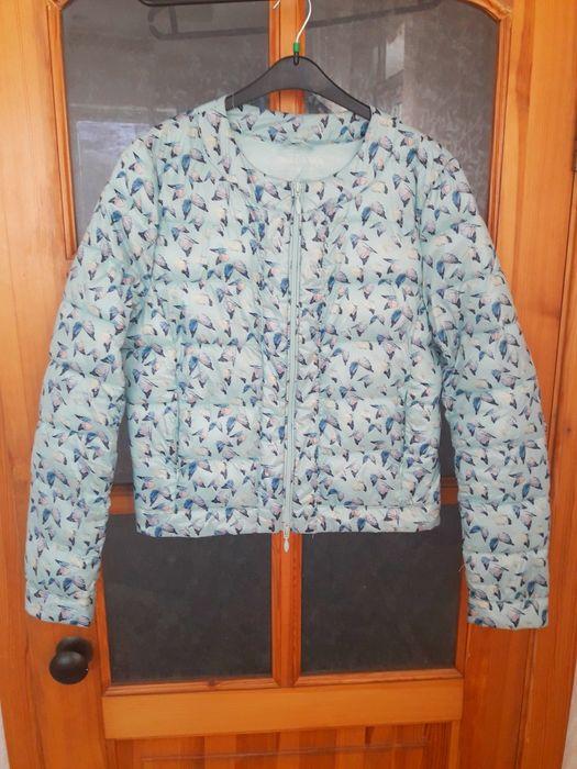 Легкая теплая демисизонная куртка. 8000 тг