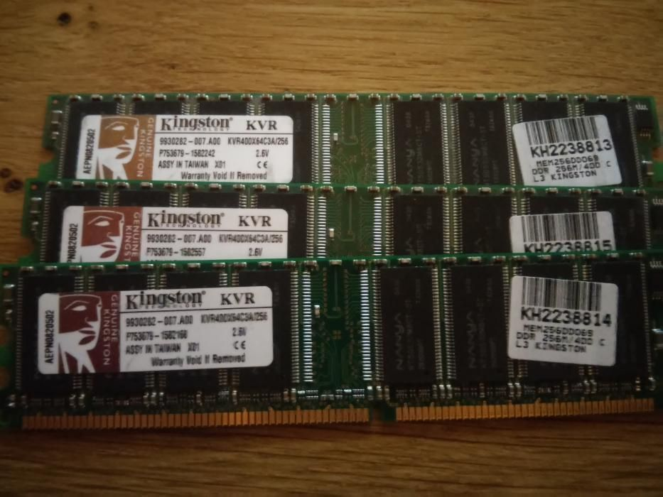 Memorie RAM Kingston 4x256 MB DDR400 CL3