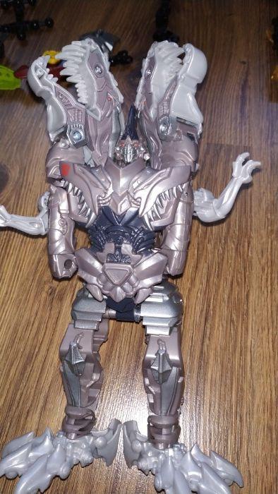 Transformers -Grimlock , Bumblebee ; Power rangers ; Bionic