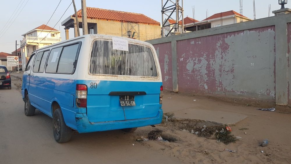 Hiace _King Long_ Comuter a gasolina