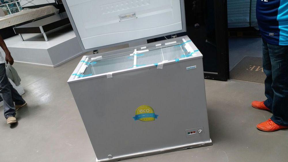 Congeladores marca Depoint 220l