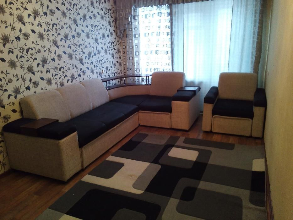 Однокомнатная квартира 10 мкр-н напротив Церкви, чисто, уютно.