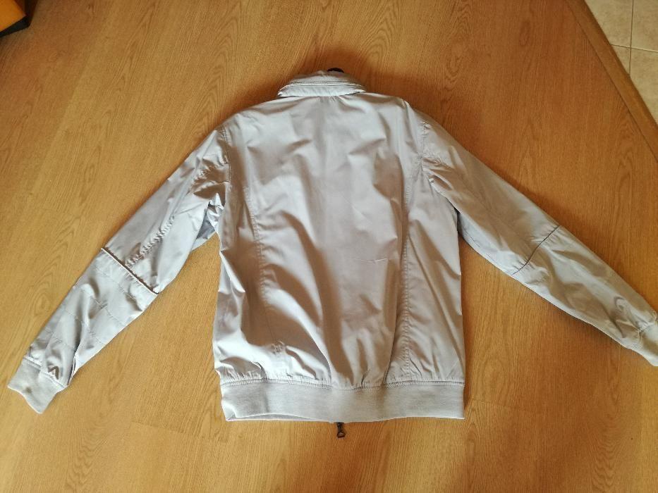 Продава мъжко яке