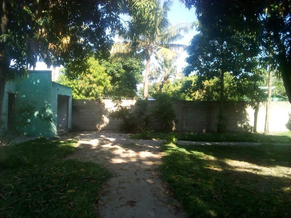 Vendo casa tp1 com terreno de 15x30m2