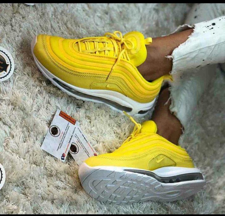 Nike Max De cor amarela