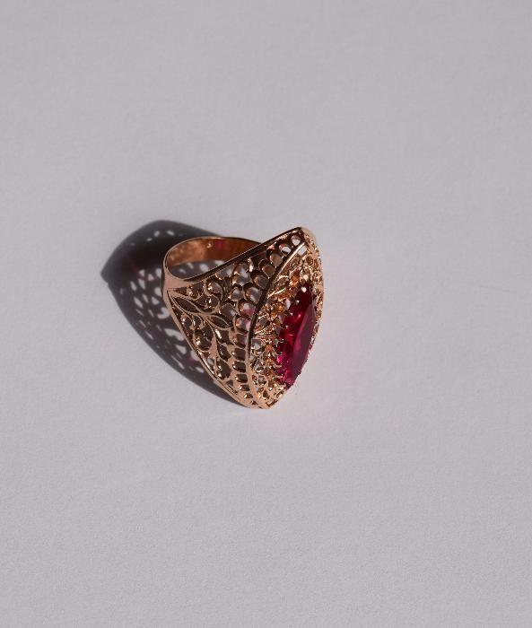 Inel filigran, aur 14 K cu Rubin natural taiere Marquise