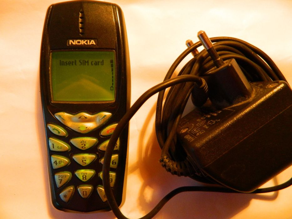 Nokia 3510 + incarcator , liber de retea .
