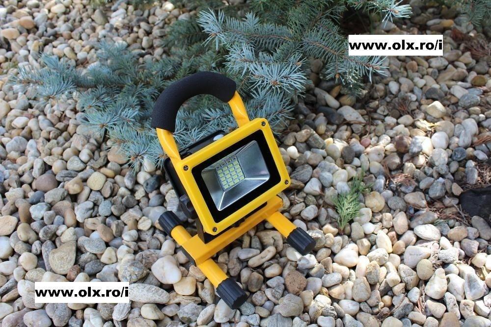 Proiector Reflector Portabil 10W cu Leduri SMD Super ECO + Acumulator