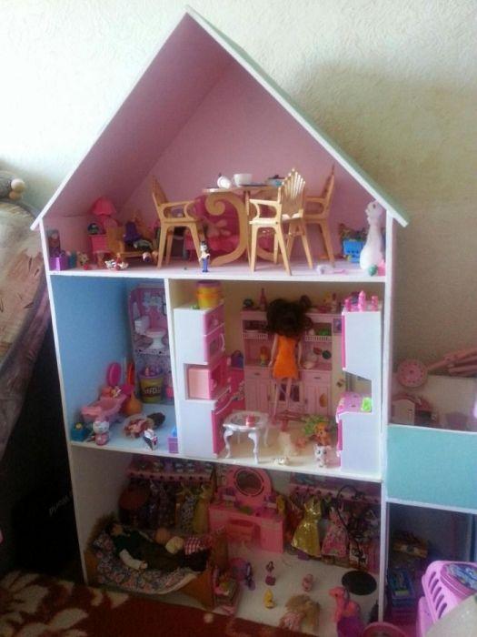 Кукольный домик из дерева