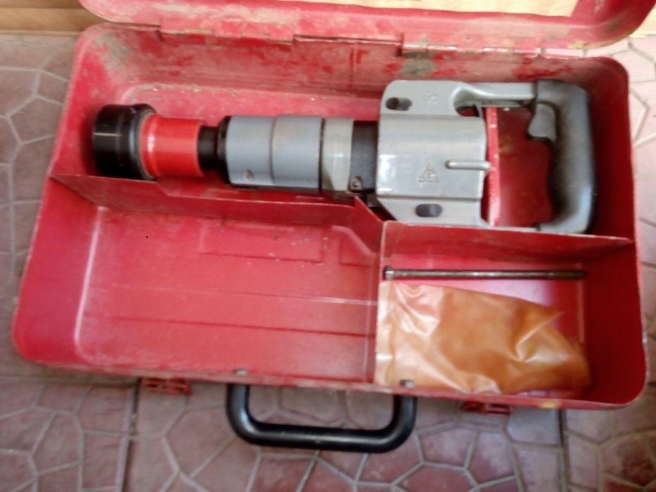 Продам строительно монтажный поршневой пистолет ПЦ 52-1 СССР