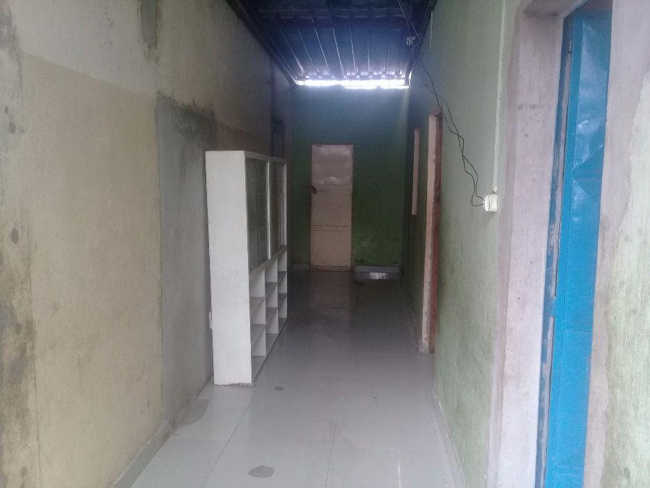 Vendo esta casa localizada no Ramiro próximo da estrada