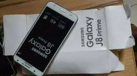 Samsung Glx J8