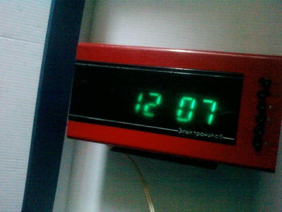 Часы на Электронные Электроника 6 Времен СССР - знак качества