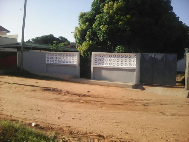 Mahota. T2 tudo dentro indepedente. Maputo - imagem 1