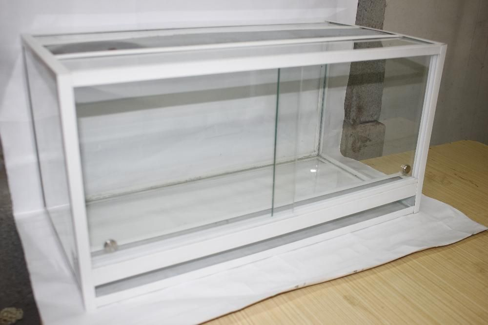 террариум для улиток,пауков и т.д 60*30*30