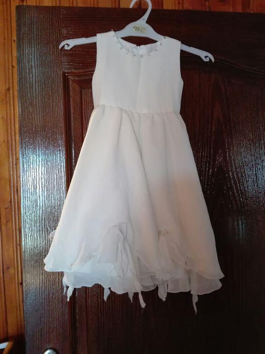 Страхотна рокличка за малка шаферка