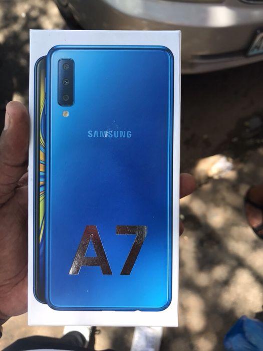 Samsung a7 súper novo com todos acessórios