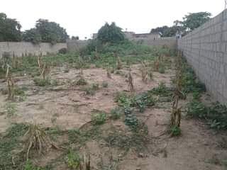 Trespassa-se Terreno em Txumene 2 20*40 vedado