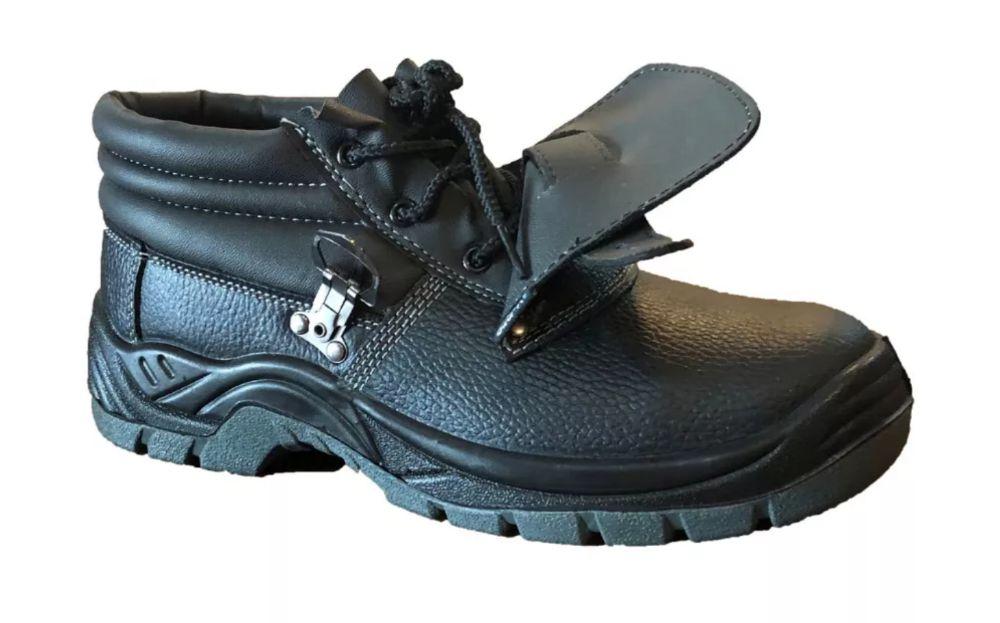 2d4c29789ed Botas - Calçado em Talatona - olx.co.ao