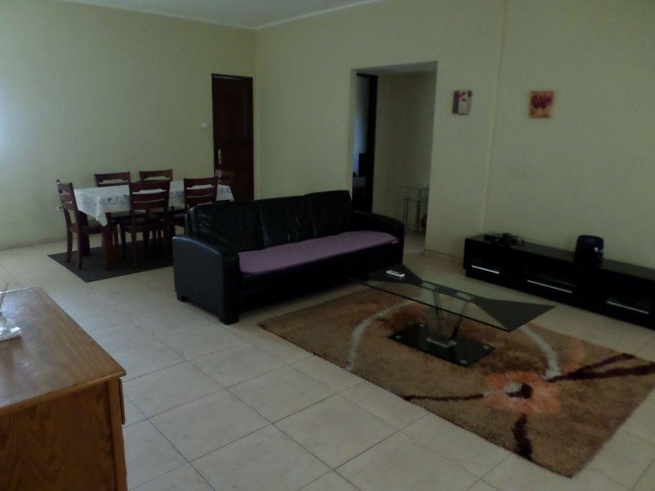 Apartamento T.2, espaçoso, com tudo.